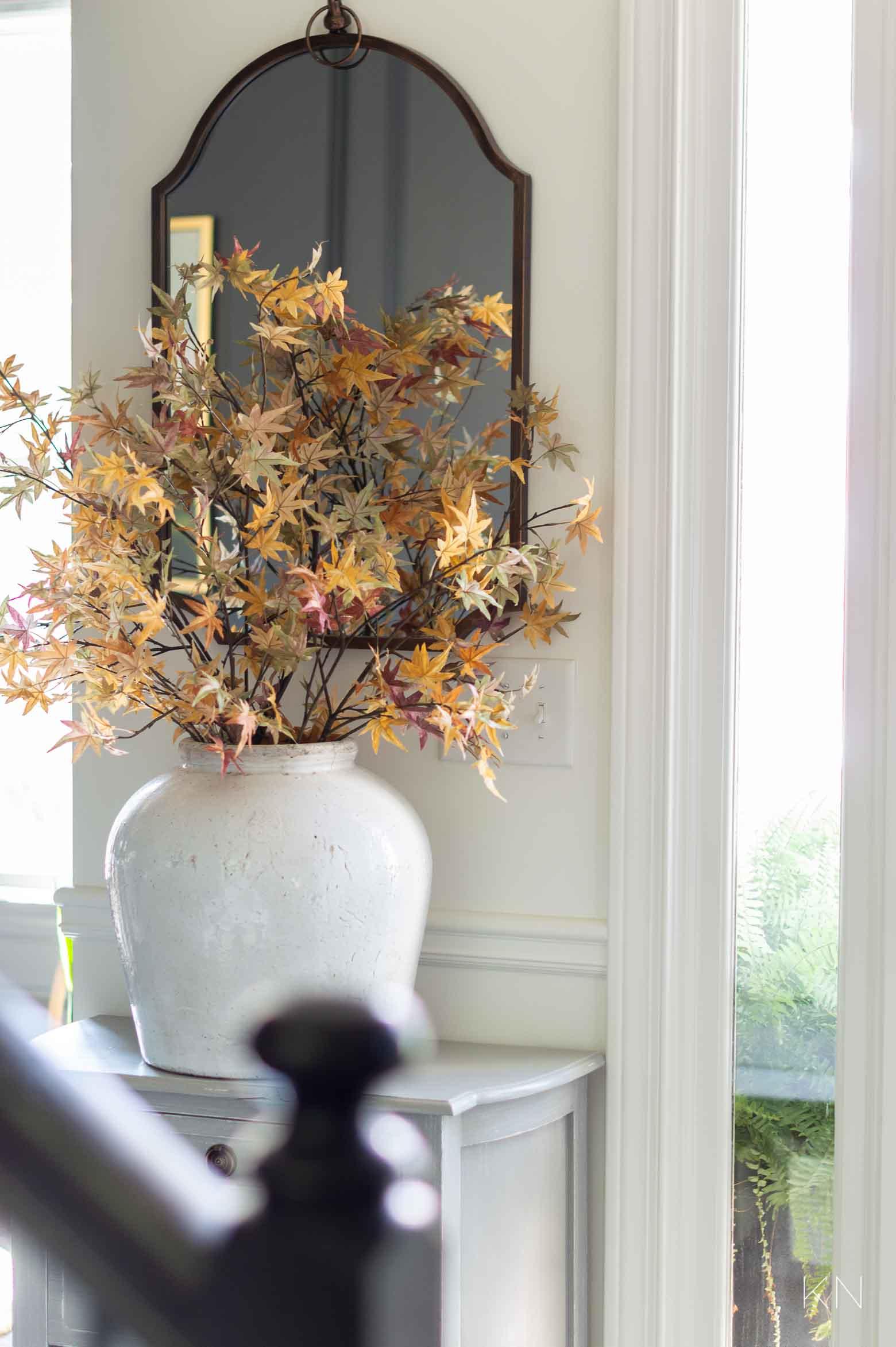 Simple Pretty Fall Entry Decor