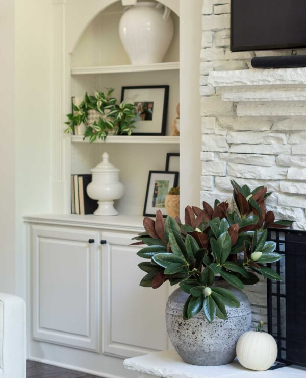 Fall Decorating in the Living Room -- Easy Pretty Ideas