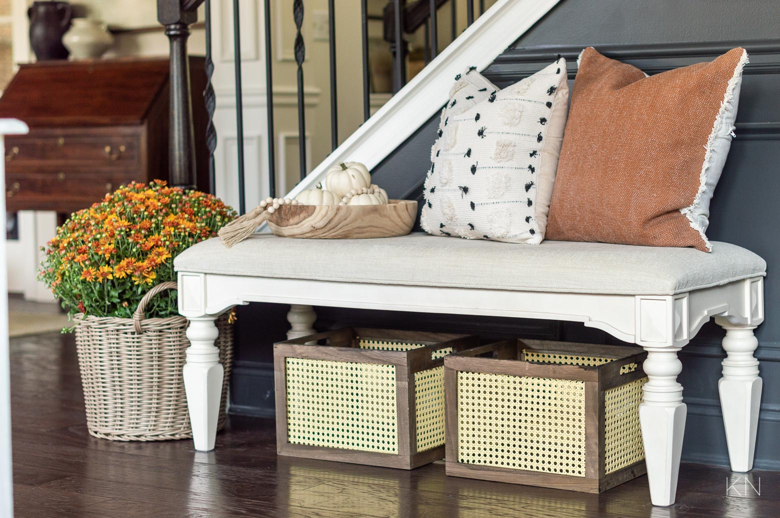 Easy Fall Decorating Ideas for the Foyer