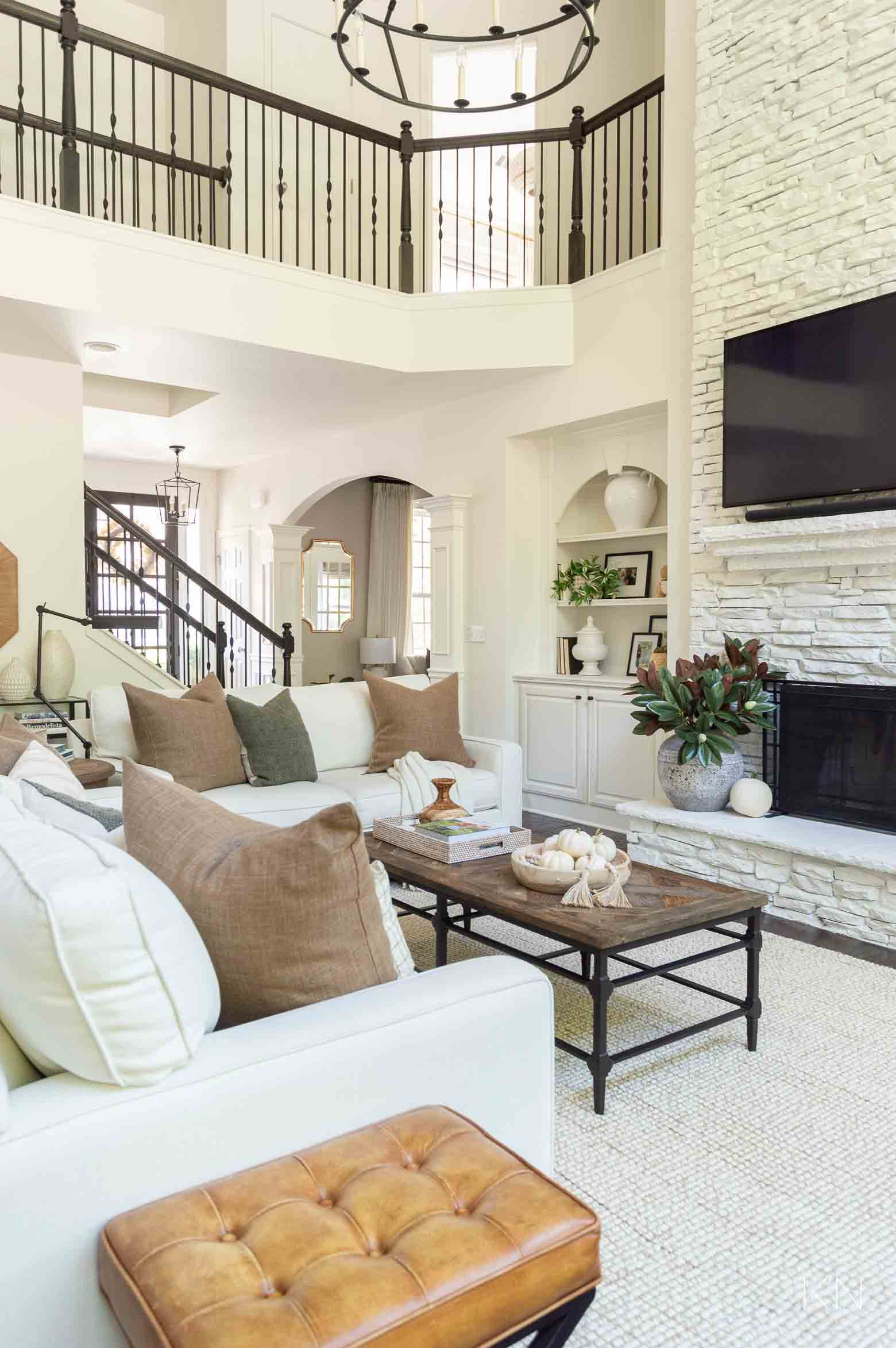 White Living Room with Fall Decor Ideas