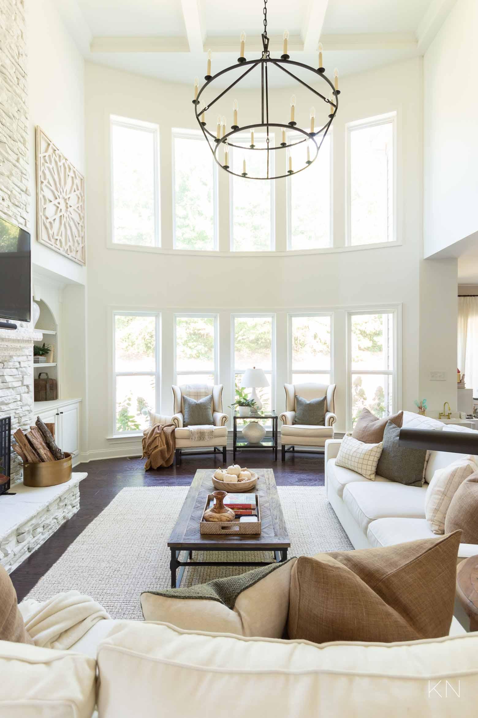 White Living Room Design and Decor Ideas
