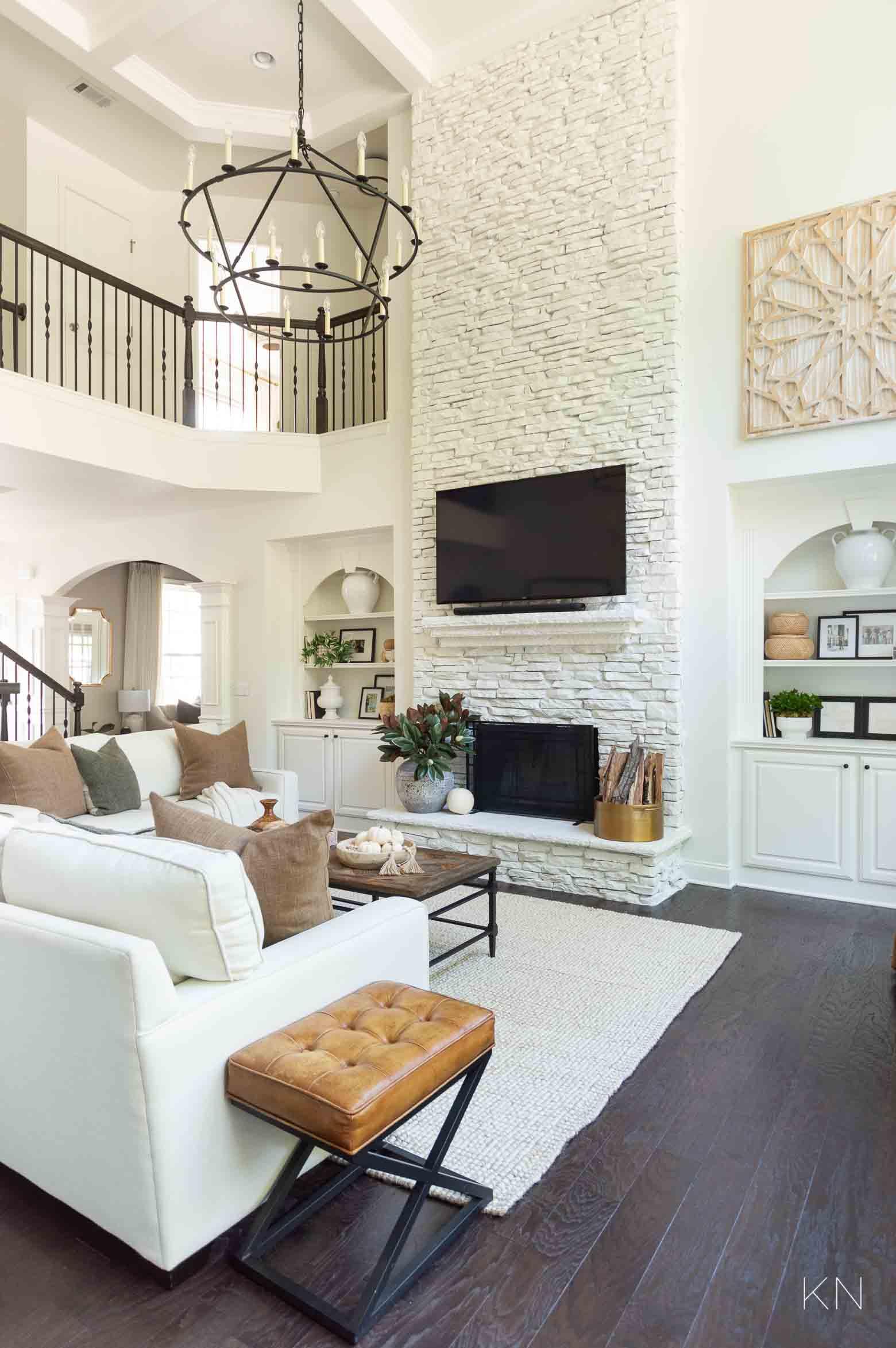 White Living Room Decor and Inspo