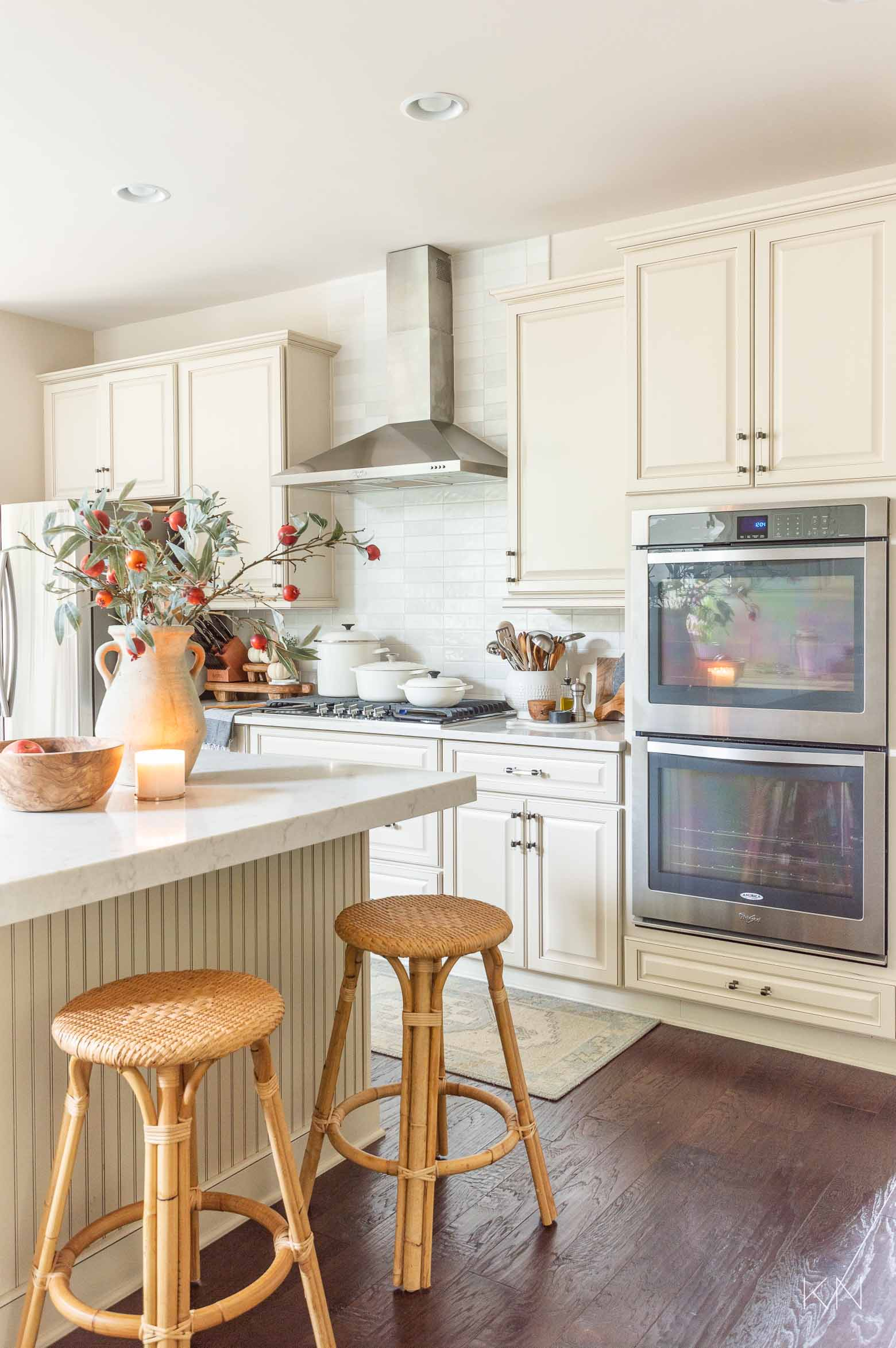 Simple Fall Kitchen Decor -- with a White and Cream Kitchen